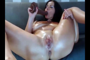 Another web cam slut with thick butts..