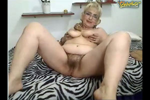 Blonde mature displaying her wooly cunny