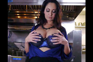 Busty mature housewife Ava Addams Just..