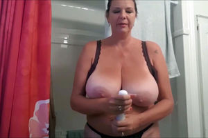 Slutty mature Plus-size fumbles her..